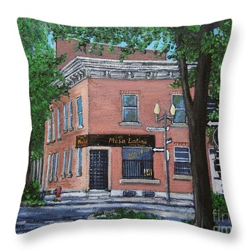 Traiteur Mesa Latina  Throw Pillow