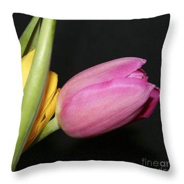 Tulip 2 Throw Pillow