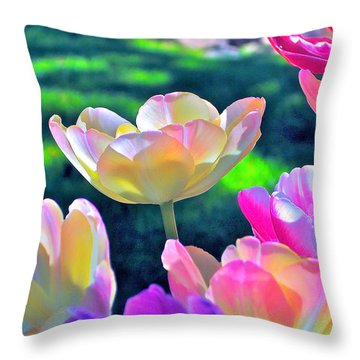Tulip 21 Throw Pillow