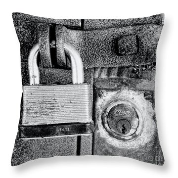 Two Rusty Old Locks - Bw Throw Pillow