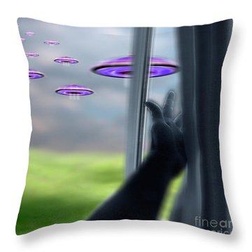Ufos Throw Pillow