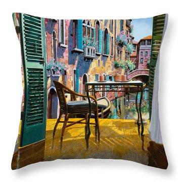 Un Soggiorno A Venezia Throw Pillow