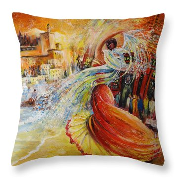 Una Vida Throw Pillow