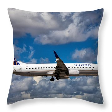 United Airlines Boeing 737 Ng Throw Pillow
