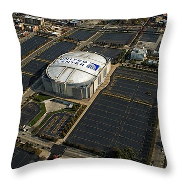 United Center Chicago Sports 10 Throw Pillow by Thomas Woolworth