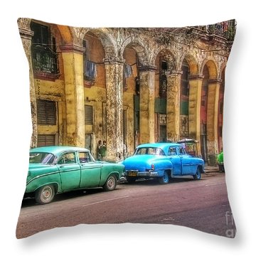 United Colors Of Coches Habaneros Throw Pillow