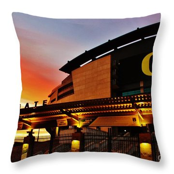 Uo 1 Throw Pillow by Michael Cross