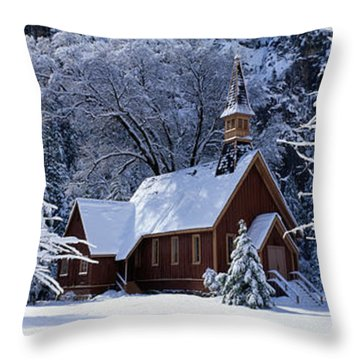 Usa, California, Yosemite Park, Chapel Throw Pillow