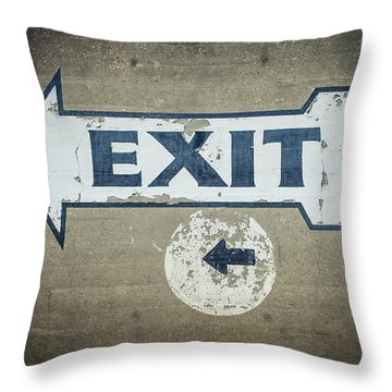 Usa, Mississippi, Exit Sign In Great Throw Pillow by Dosfotos