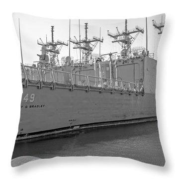Uss Robert G. Bradley Ffg-49 Throw Pillow