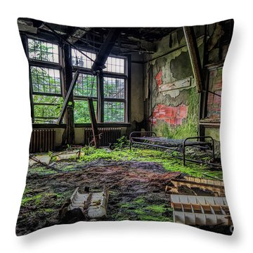 Vacant Throw Pillow