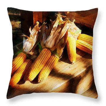 Vegetable - Corn On The Cob At Outdoor Market Throw Pillow by Susan Savad