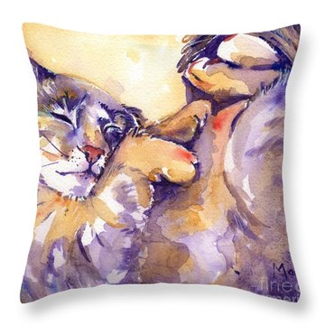 Vida Throw Pillow