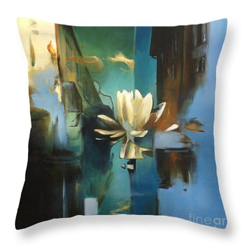 Vielle Ville Throw Pillow