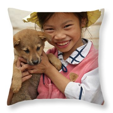 Vietnamese Girl 02 Throw Pillow