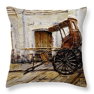 Vigan Carriage 1 Throw Pillow