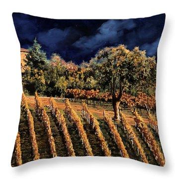 Vigne Orizzontali Throw Pillow