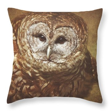 Vilma #7 Throw Pillow