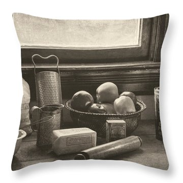 Vintage Art - All The Fixings Throw Pillow