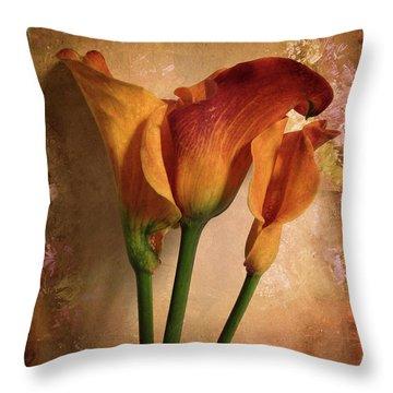 Vintage Calla Lily Throw Pillow