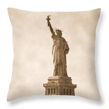 Vintage Statue Of Liberty Throw Pillow by RicardMN Photography
