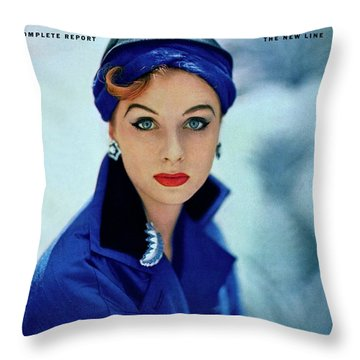 Eyeliner Throw Pillows