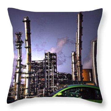 Throw Pillow featuring the photograph Vw Beetle by Craig B