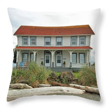 Throw Pillow featuring the photograph Waiting For Guests by E Faithe Lester