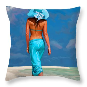 walking on the beach V Throw Pillow