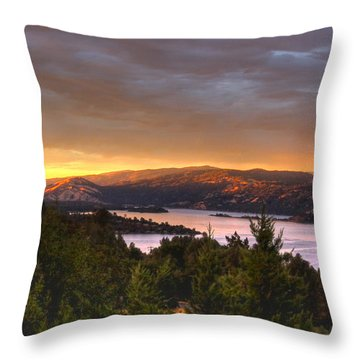 Throw Pillow featuring the photograph Wednesday Evening Sunset by Kandy Hurley