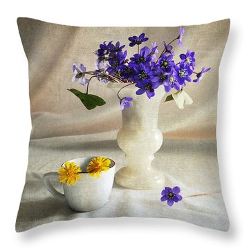 Welcome Spring Throw Pillow by Randi Grace Nilsberg