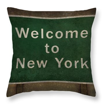 Welcome To New York Highway Road Side Sign Throw Pillow