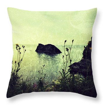 Where There Be Wilde Things  Throw Pillow