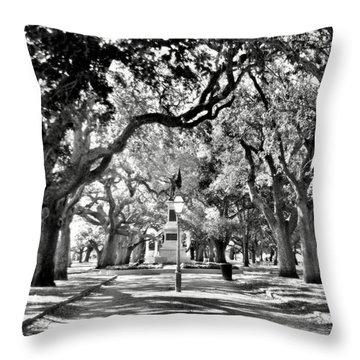 White Point Gardens At Battery Park Charleston Sc Black And White Throw Pillow