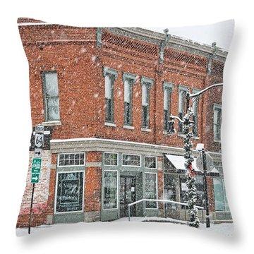 Whitehouse Ohio In Snow 7032 Throw Pillow
