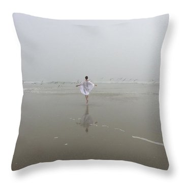 Throw Pillow featuring the photograph Wilbur By The Sea 1 by Lisa Piper