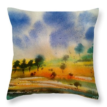 wild life III Throw Pillow