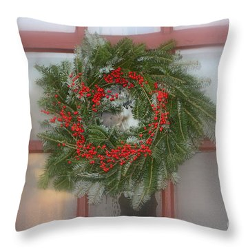 Williamsburg Wreath Throw Pillow