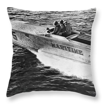 Winner Of The 180 Mile West Palm Beach To Lucaya-freeport Gatewa Throw Pillow