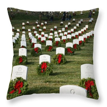 Wreaths Around America Throw Pillow