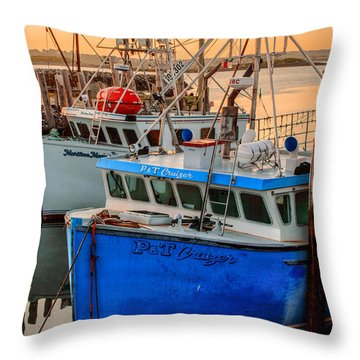 Yarmouth Harbour Throw Pillow