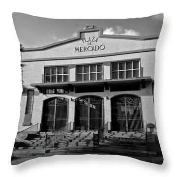 Yauco Farmers Market B W Throw Pillow