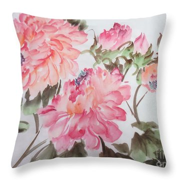 Yell01142015-3 Throw Pillow