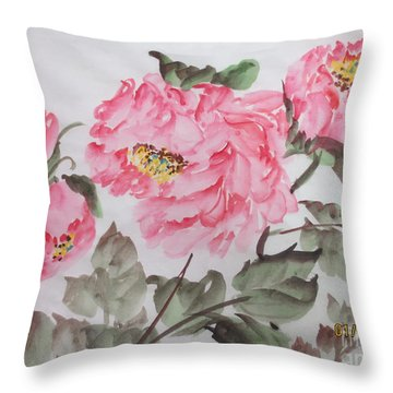 Yell01142015-5 Throw Pillow by Dongling Sun