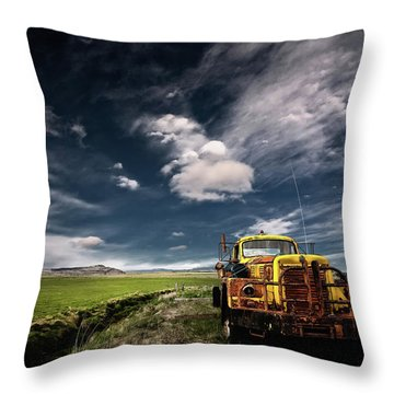 Rusty Cars Throw Pillows