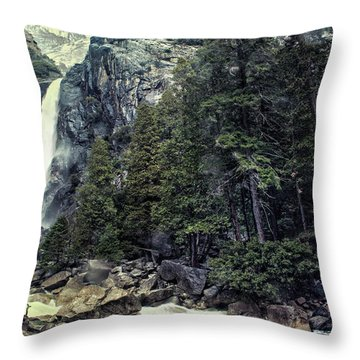 Yosemite Falls In Yosemite Throw Pillow