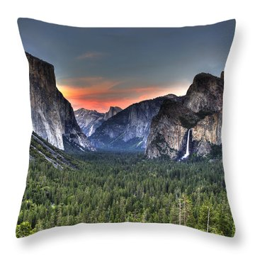 Yosemite Valley View Sunset Throw Pillow
