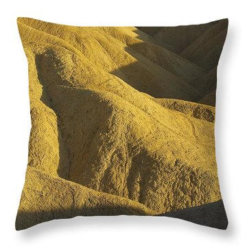 Throw Pillow featuring the photograph Zabriski Point #4 by Stuart Litoff