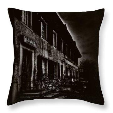 009 - Gloom Throw Pillow