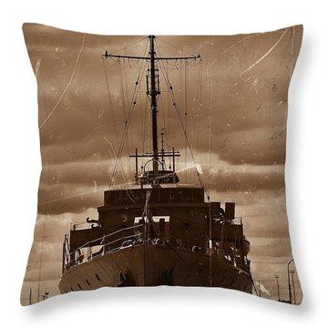 Throw Pillow featuring the photograph Hmas Castlemaine by Blair Stuart